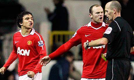 Rafael sent off at Spurs