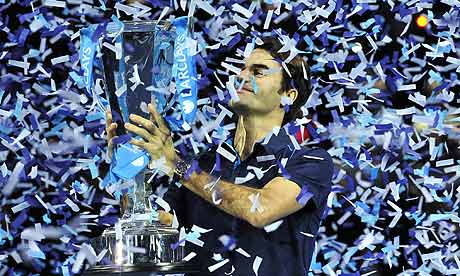 Roger Federer holds off Jo-Wilfried Tsonga to win World Tour Finals