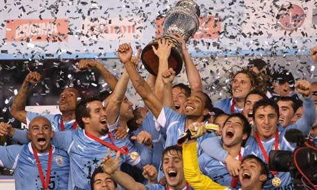 Uruguay-celebrating-007.jpg