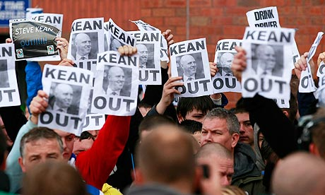 Blackburn supporters protest against Steve Kean