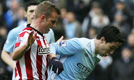 Lee Cattermole tackles Sam