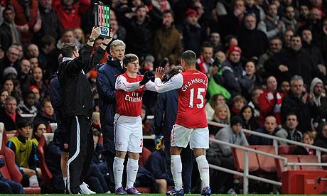 Arsène Wenger was booed by Arsenal's fans for replacing Alex Oxlade-Chamberlain with Andrey Arshavin