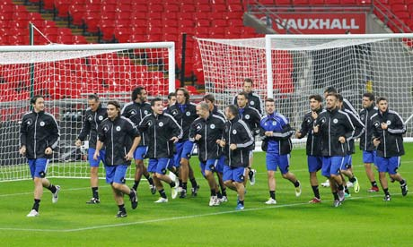 A cunning San Marino defensive ploy in training