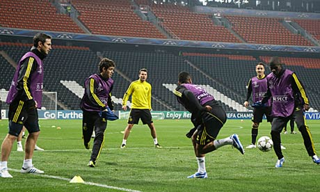 Chelsea train at the Donbas Arena