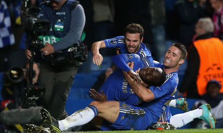 Chelsea celebrate Victor Moses's late winner