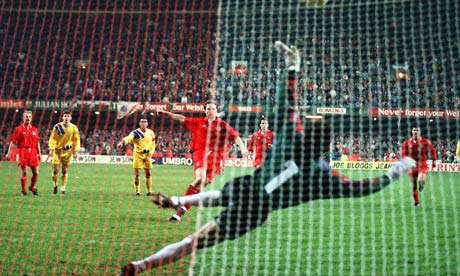 Paul Bodin misses a penalty against Romania