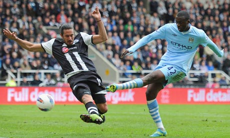 Yaya Touré scores Manchester City's second goal