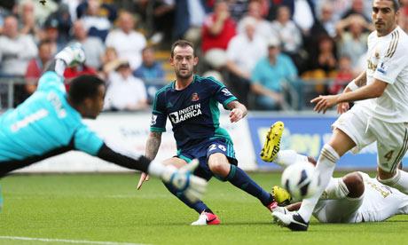 Steven Fletcher scores his first goal