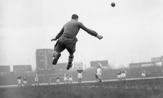 Arsenal goalkeeper George Swindin