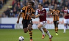 Tom Huddlestone helping Hull City beat West Ham