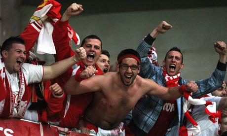 Monacos-supporters-celebr-008.jpg