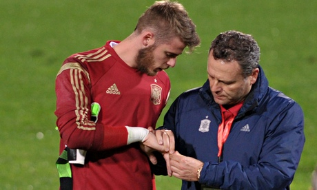 Manchester Uniteds David de Gea injured on international duty