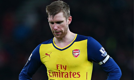 Per Mertesacker's meekness and poor form leaves Arsenal lacking security | Barney Ronay