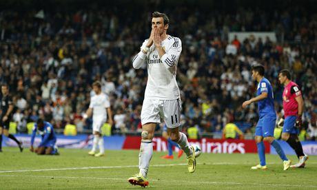 Gareth Bale celebrates scoring