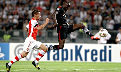Mathieu Debuchy Arsenal Demba Ba Besiktas