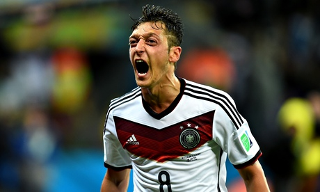 Mesut Özil unhappy over criticism of Arsenal and Germany displays