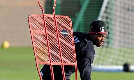 Liverpool's Brendan Rodgers loth to risk Daniel Sturridge at Chelsea