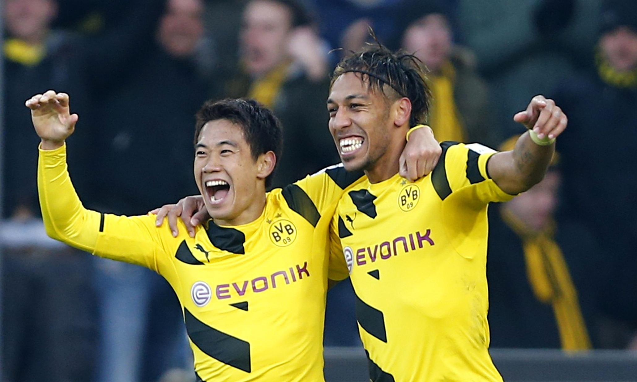 El Dortmund respira a costa del Friburgo