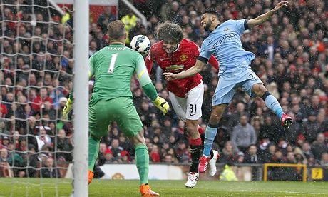 Manchester United's Marouane Fellaini wins battle of unorthodox No10s | Michael Cox