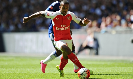 Arsenal's Theo Walcott gives central role a new twist in win over Chelsea