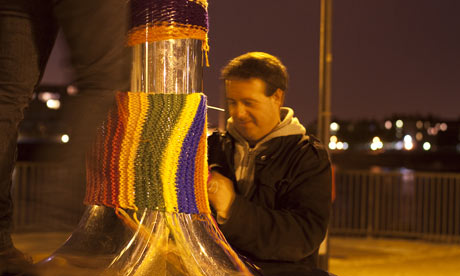 Mark Thomas - guerrilla knitter