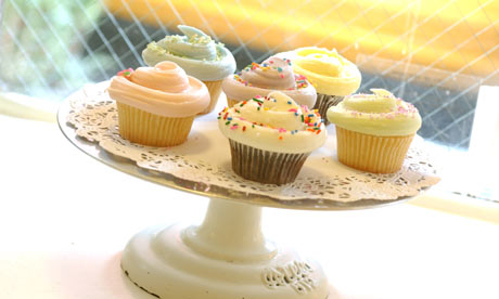 The current craze for wedding cupcakes supports this theory