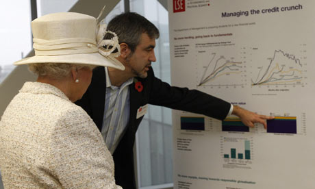 Queen Elizabeth II and Luis Garicano at LSE