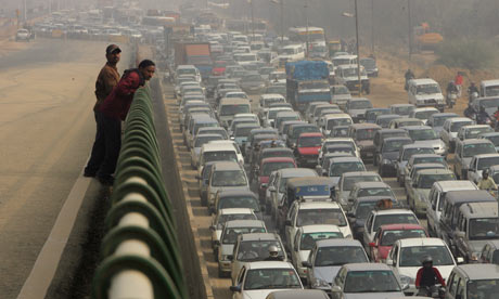 Traffic on the highway in Delhi, India