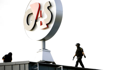 Swedish cash depot raid: Police try to force their way inot the G4S cash depot