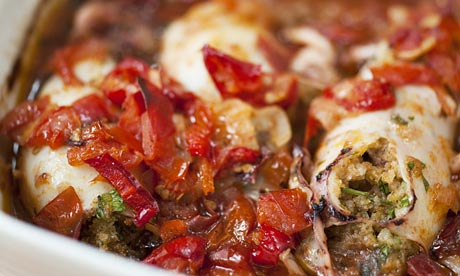 Baked squid with chilli tomato sauce