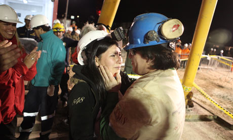 Fifth Chilean miner emerges from the shaft