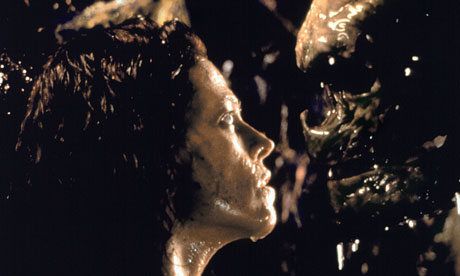 http://static.guim.co.uk/sys-images/Guardian/About/General/2010/10/21/1287677787976/alien-resurrection-006.jpg