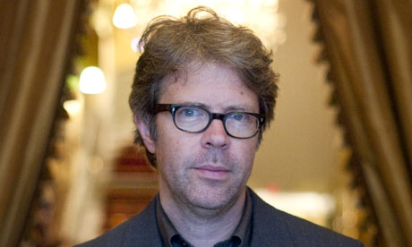 Jonathan Franzen reunited with his glasses