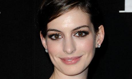 anne hathaway boyfriend 2010. Anne Hathaway is on a tireless