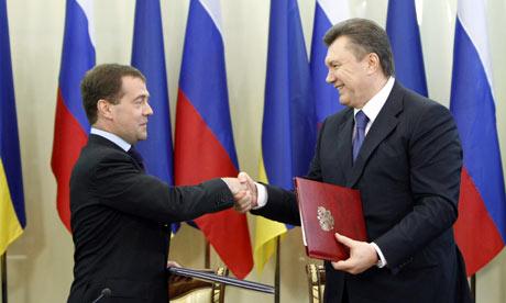Dmitry Medvedev and Viktor Yanukovych