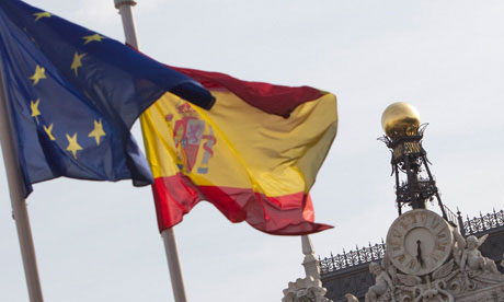European and Spanish flagsnext to Bank of Spain