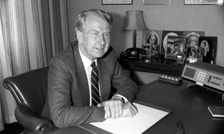 إدوارد هيث .... رئيس وزراء بريطانيا السابق Lord-Peter-Walker-dies-006.jpg