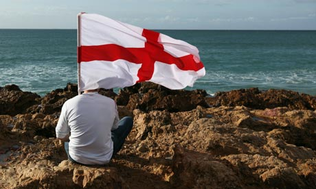 L'équipe national d'Angleterre. - Page 5 An-England-fan-sits-on-ro-006