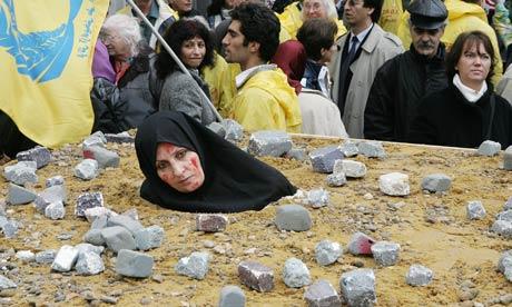 simbolica donna iraniana