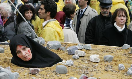 An-Iranian-woman-at-a-pro-006.jpg