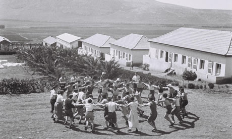 Kibbutz members at Kibbutz Ein Harod in 1936