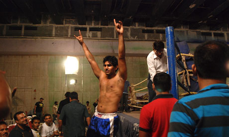 REBIRTH: EXPECT THE UNEXPECTED Mumbai-fight-clubs--007