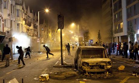Riots in Croydon, London 08 Aug 2011