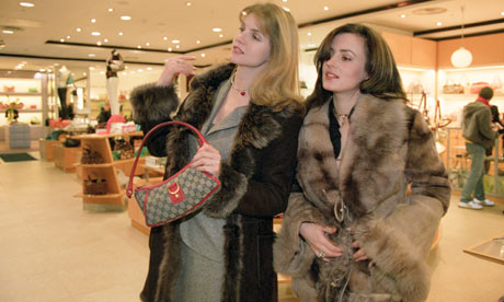 rish russian women shopping