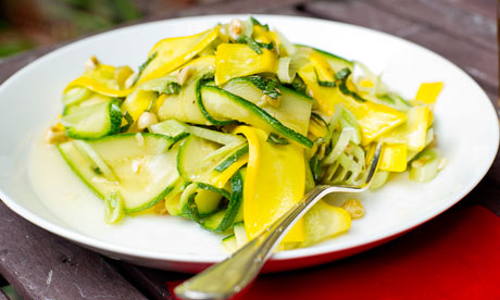 Courgette salad with hazelnuts