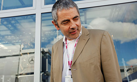 Rowan Atkinson a keen mot 007 - Mr. Beans ( Atkinson) injurerd in car crash.