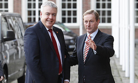 First minister of Wales, Carwyn Jones (l), with the Irish taoiseach, Enda Kenny