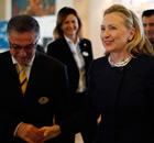 Hillary Clinton arrives in Tunisia