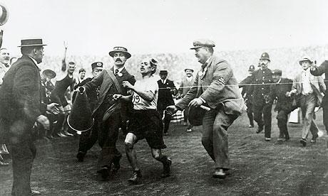 Historical sports photography Dorando-Pietri-007