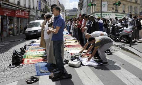 A ban on French Muslims praying on the streets of Paris is one of several policies to have alienated the community.